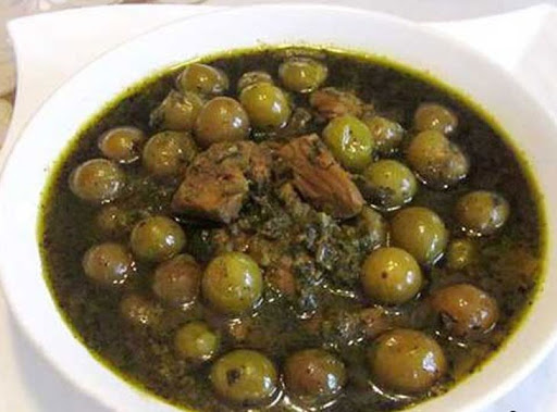 Plum stew with meat