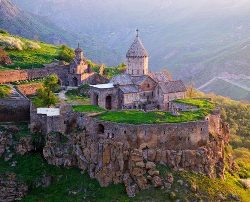 Silk Road to Armenia from Iran
