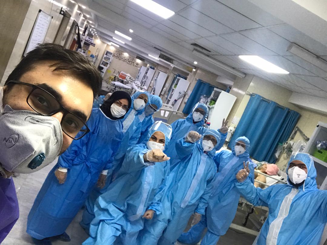 Coronavirus in Iran: nurses' selfie