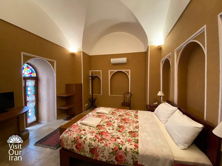 Inside the rooms of Seneek